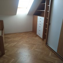 Praha 12 - částečná rekonstrukce domu